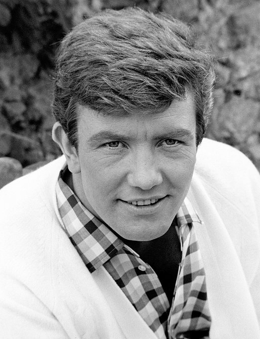 Albert Finney was born on this date May 9 in 1936. Photo credit: Getty Images. #OTD https://t.co/UOjOkdnsYU