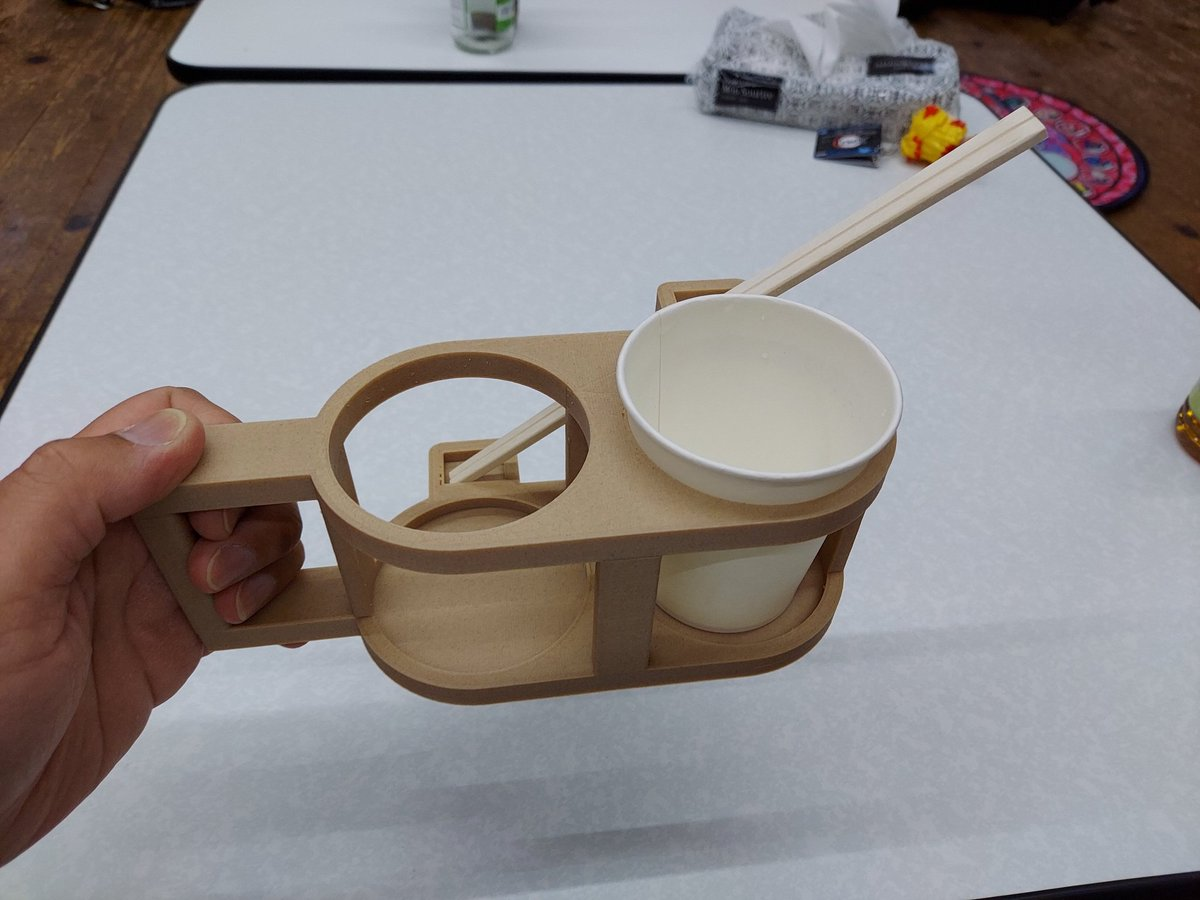 BBQのとき皆が思う事。「紙皿よりもコップの方が便利」を考慮し、オリジナルセットを作ってみました。