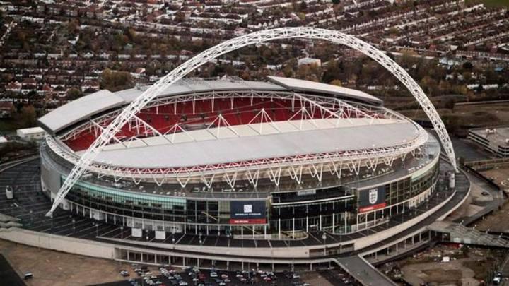 #UCL La Federación Inglesa pidió a la #UEFA que la final de la #Champions se juegue en Inglaterra en el estadio de Wembley ya que ambos finalistas son de ese país a raíz de la pandemia por coronavirus y el aumento de casos. https://t.co/uffNvSyRKc