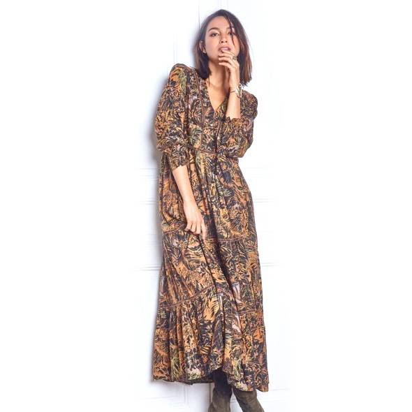 NEW IN! Another mixed print maxi dress! 👌🏻 In store only! DM to place an order or for enquiries x . #instalove #instablog #instafashion #fashion #naqsh #naqshonline #follow #trending #love #fashionblogger #blog #blogger #modest #clothing #boutique #womenswear #style https://t.co/9HVZgRzw1t