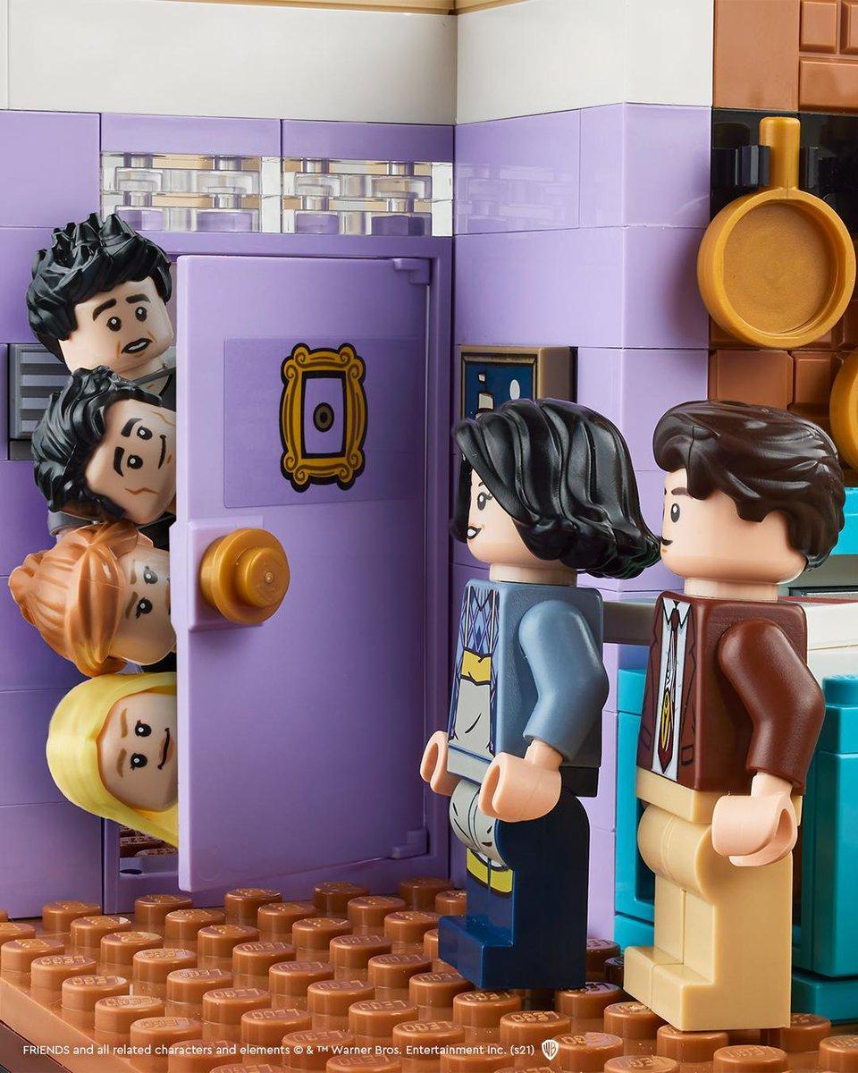 Nouveauté LEGO 10292 FRIENDS : le teasing commence ! ► https://t.co/F1e8PQ5m6c  #LEGO #AFOL #Friends #FriendsTVshow #FriendsTV #LEGO2021 https://t.co/SnBHBJGJ35