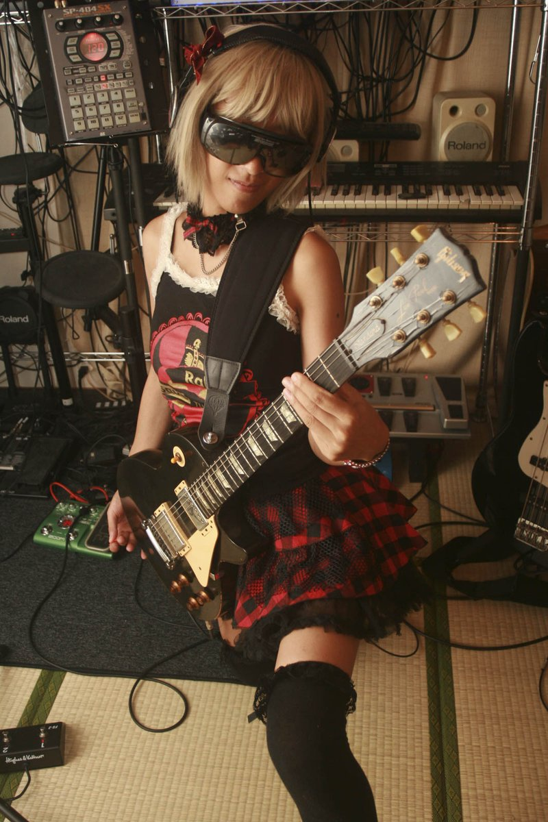 過ぐる日のフゥさん #ギター #guitar #ギター女子 #ギタ女 #ポートレート #portrait #photooftheday #cute #cool #girl #ファインダー越しの私の世界 #キリトリセカイ #写真で奏でる私の世界 #写真で伝える私の世界 #写真で伝えたい私の世界 #photography https://t.co/5y8FRf6pja