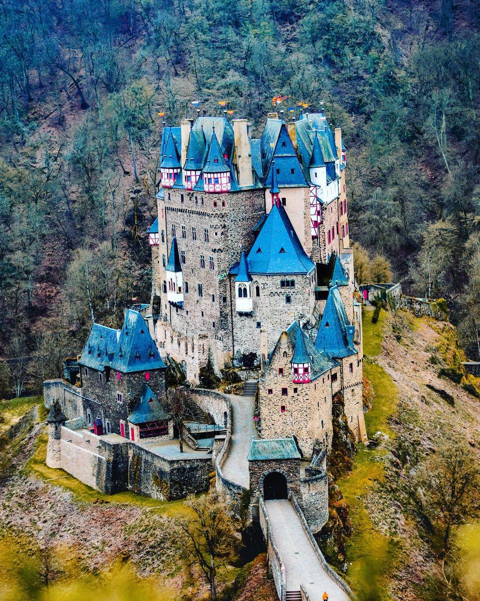 Burg Eltz, Germany https://t.co/5CeliKVZst #travel #travelgram #instatravel #trip #travelling #travelphotography #travelingram #castle #traveler #instatraveling #germany #igtravel #instago #travelblogger #traveller #mytravelgram #instapassport #travelblog #traveltheworld #travels https://t.co/c96ljydmmA