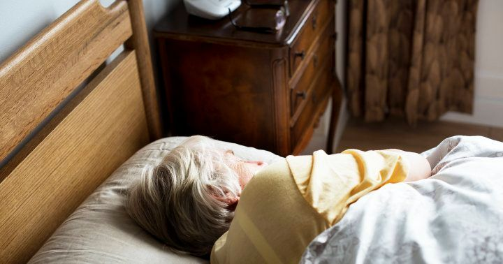 Over 60 & Struggling To #Sleep? Try This Research-Backed Bedtime Hack https://t.co/zxOiQvUk9o #seniors #health https://t.co/RNkWh1MJsa