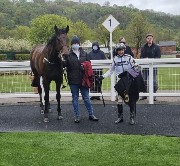 Seasett wins well in the soft ground at Nottingham. Well done to owners Nick Bradley Racing 11. Enjoy