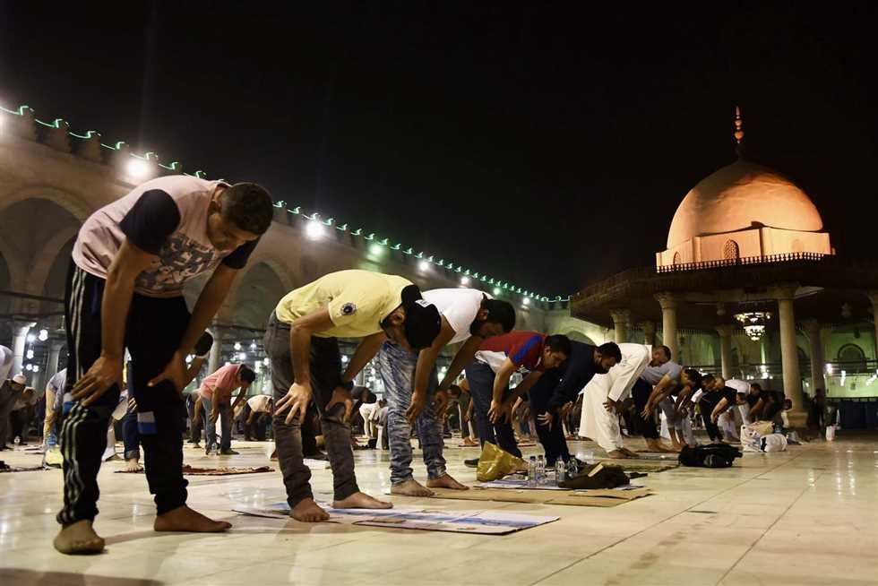 صلاة التراويح في ليلة القدر بمسجد عمرو بن العاص ليلة 27