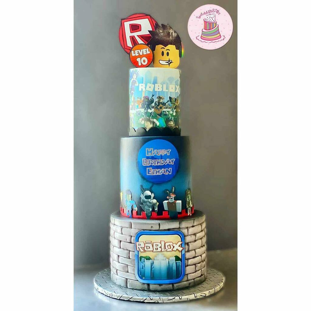Roblox themed cake 🎮⁣ ⁣ .....⁣ #yummy #cakes #delicious #cakegram #yum #sweettooth #foodie #baking #cakedesign #igcakes #cakeboss #cakesofinstagram #cakes #cakeinspiration #sweet #eat #instafood #instacake #buttercream #instalove #cakeartist #cakesty…