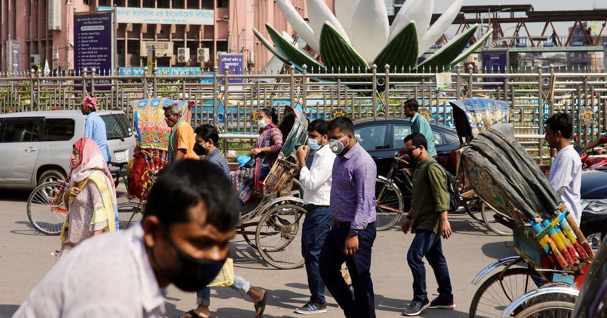 Bangladesh detects first cases of Indian coronavirus variant https://t.co/Lq5uNJAgAF https://t.co/pCDTJcquJe