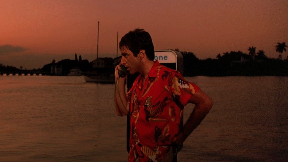 The use of color in Scarface (1983) https://t.co/gjXewQnu30