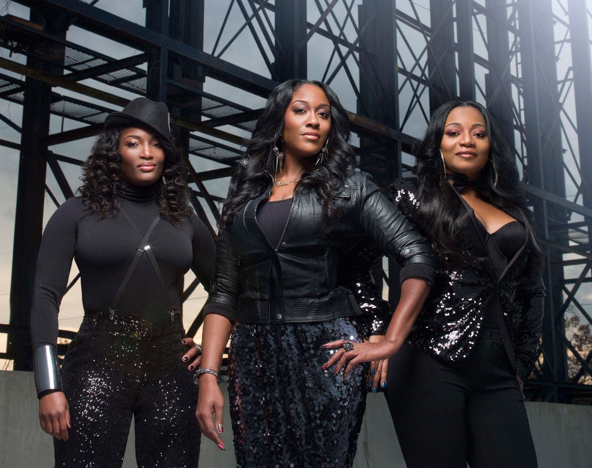 The SWV and Xscape #verzuz sang a lot of good hits tonight. What were your favorites and who do you think won? ✨