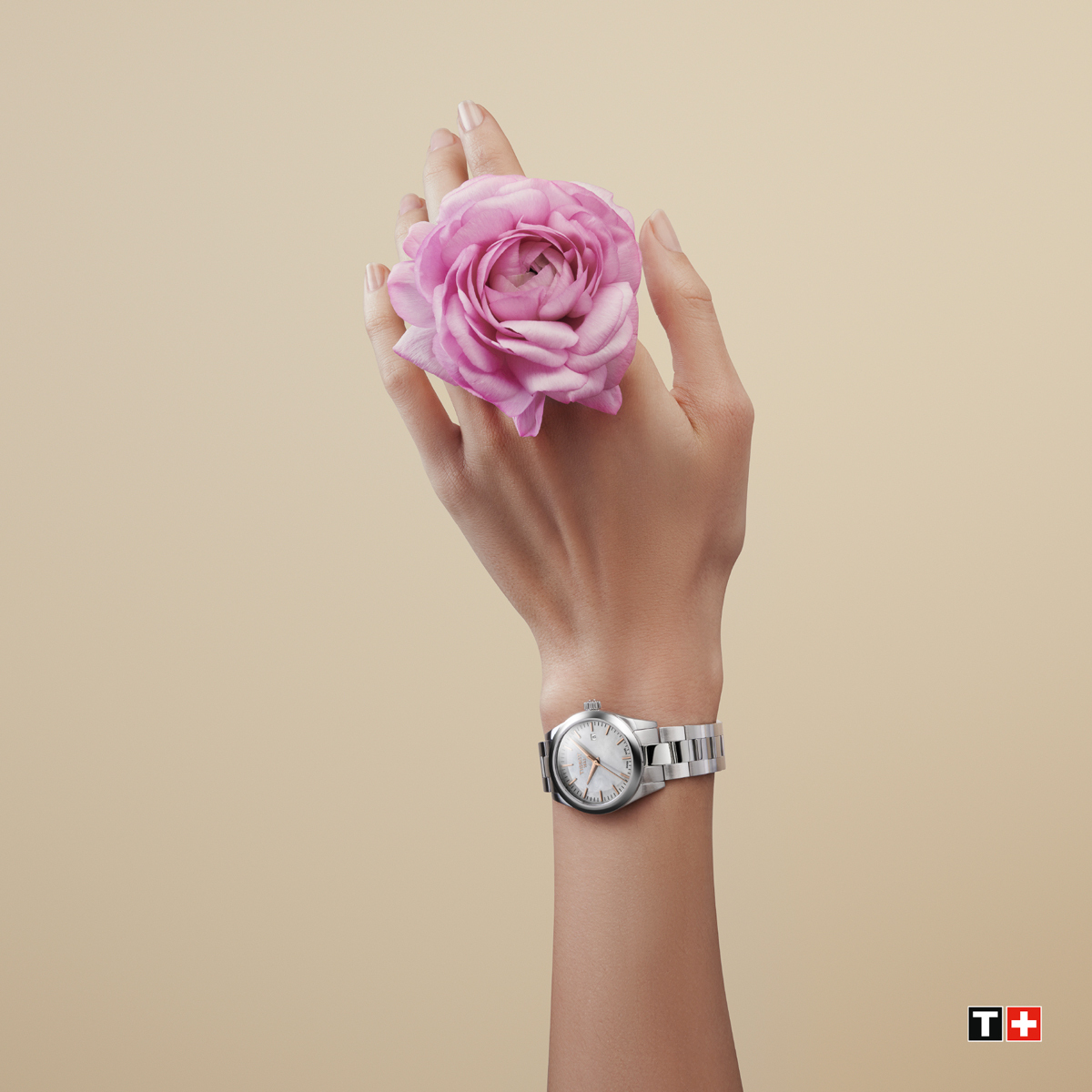 To those who teach us about the values that matter, today we're celebrating you and your amazing qualities with the T-My Lady range. Happy Mother's Day! #ThisIsYourTime #HappyMothersDay https://t.co/TCKw7Aks6Z