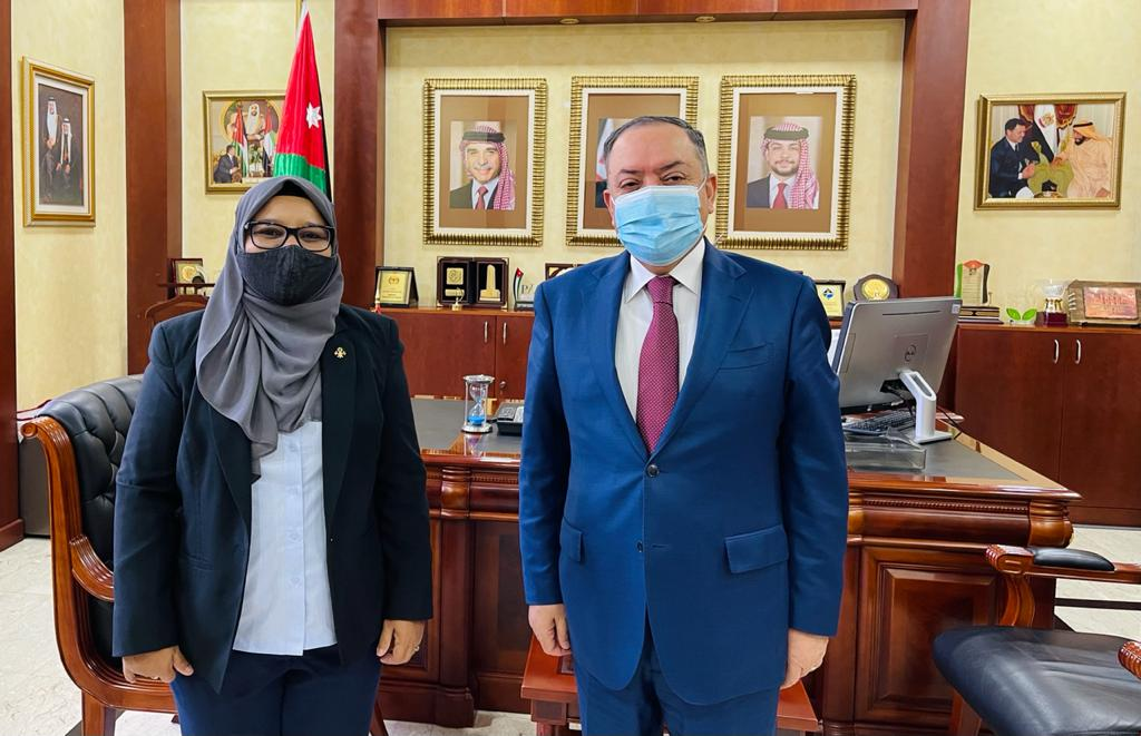 Ambassador Shabeena had a courtesy meeting with the Ambassador of Jordan H.E. Mr. Jum'a Abadallah Hajes Al-Abbadi. Both Ambassadors discussed issues of mutual interests and ways to further strengthen the close relations existing between #Maldives 🇲🇻 and #Jordan 🇯🇴