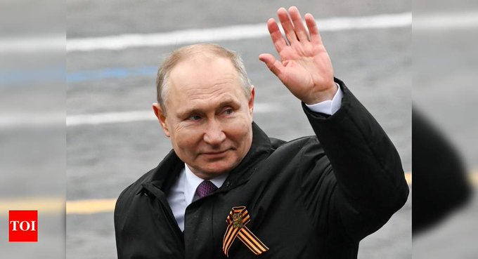 Putin tells Red Square parade that Nazi ideas persist Photo