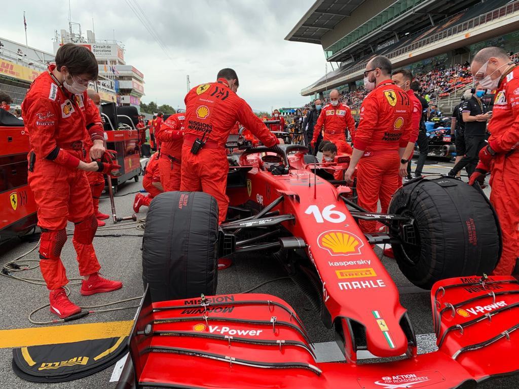 Ferrari 'snobba' McLaren e pensa al 2022