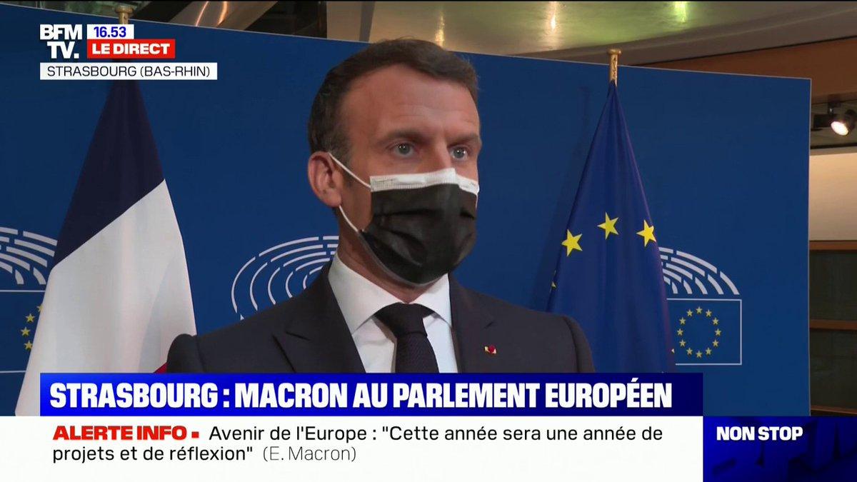 """Emmanuel Macron à propos du référendum sur le climat: """"Il n'y aura pas d'abandon, ce texte va vivre sa vie parlementaire qui seule permet d'aller au référendum si les sénateurs et les députés s'accordent"""""""