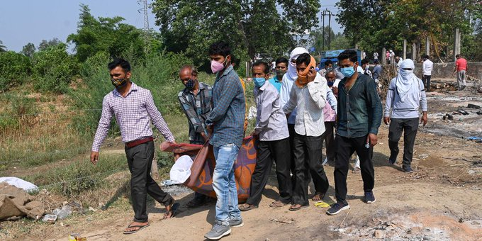 As Covid-19 Surged, Indian Teachers Died After Working Elections Photo