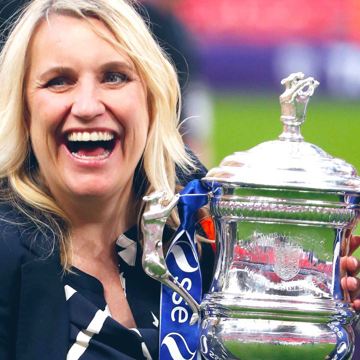 Emma Hayes has now won 4 Women's Super League titles - the most of any manager in Women's football history.  It's also her 10th major honour as Chelsea Women's manager. Legend. https://t.co/qKphfUZhyP