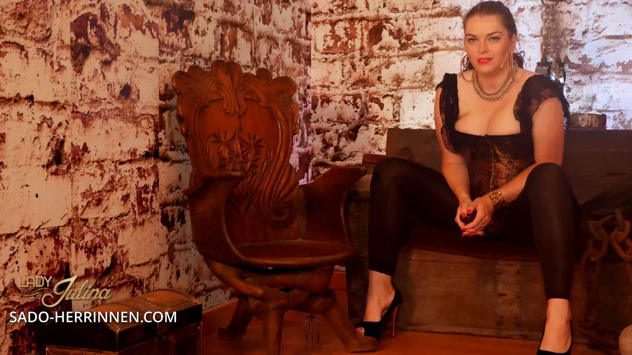 TW Pornstars - Domina Lady Julina. Twitter. Ich hätte