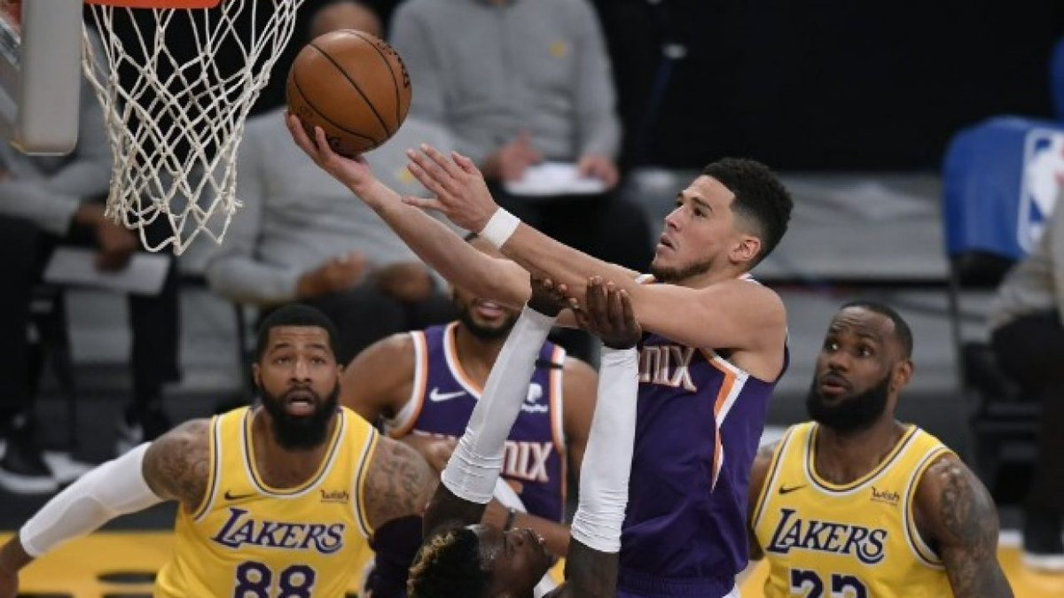NBA - Who covers? 🧐  🏀 #Suns last 10 games 👉 7-3 SU 👉 5-4-1 ATS  🆚 #Lakers last 10 games 👉 2-8 SU 👉 2-7-1 ATS https://t.co/onOxlrPpgO