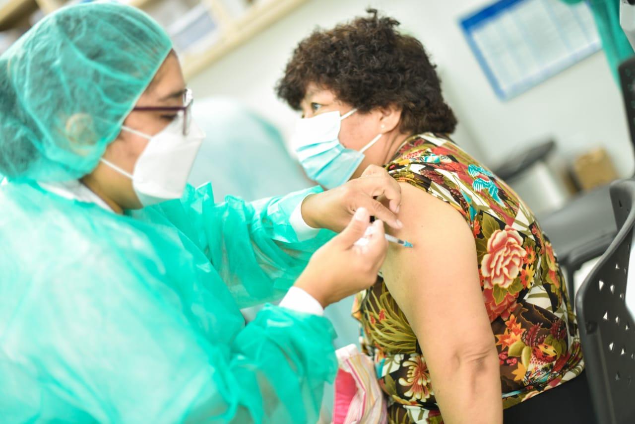 Alabí alega confidencialidad para no informar del Plan Nacional de Vacunación
