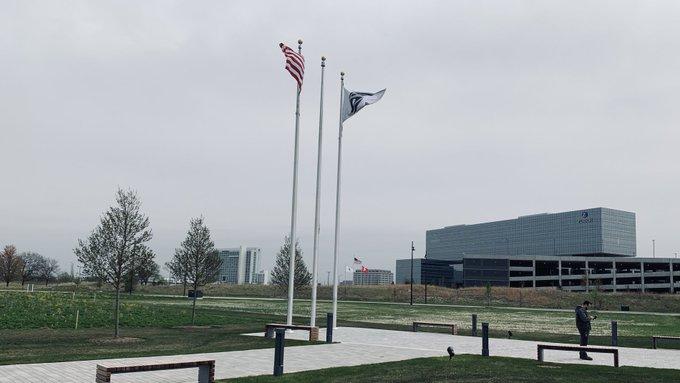 @Schaumburg, IL - Boler, Inc / 3 a 40' Winch / in the distance #ZurichInsurance 1 a 50' & 2 - 40' #Winch #Flagpoles. https://t.co/rxKPB1dQFC