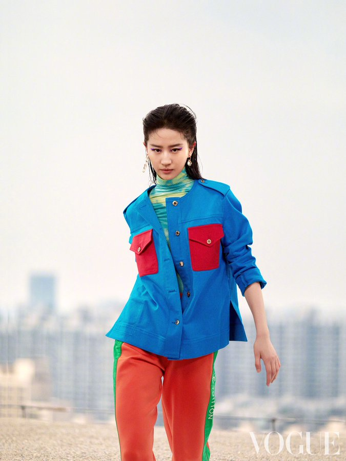 Vogue China June 2021 E0HqDbCXMAE59Fa?format=jpg&name=900x900