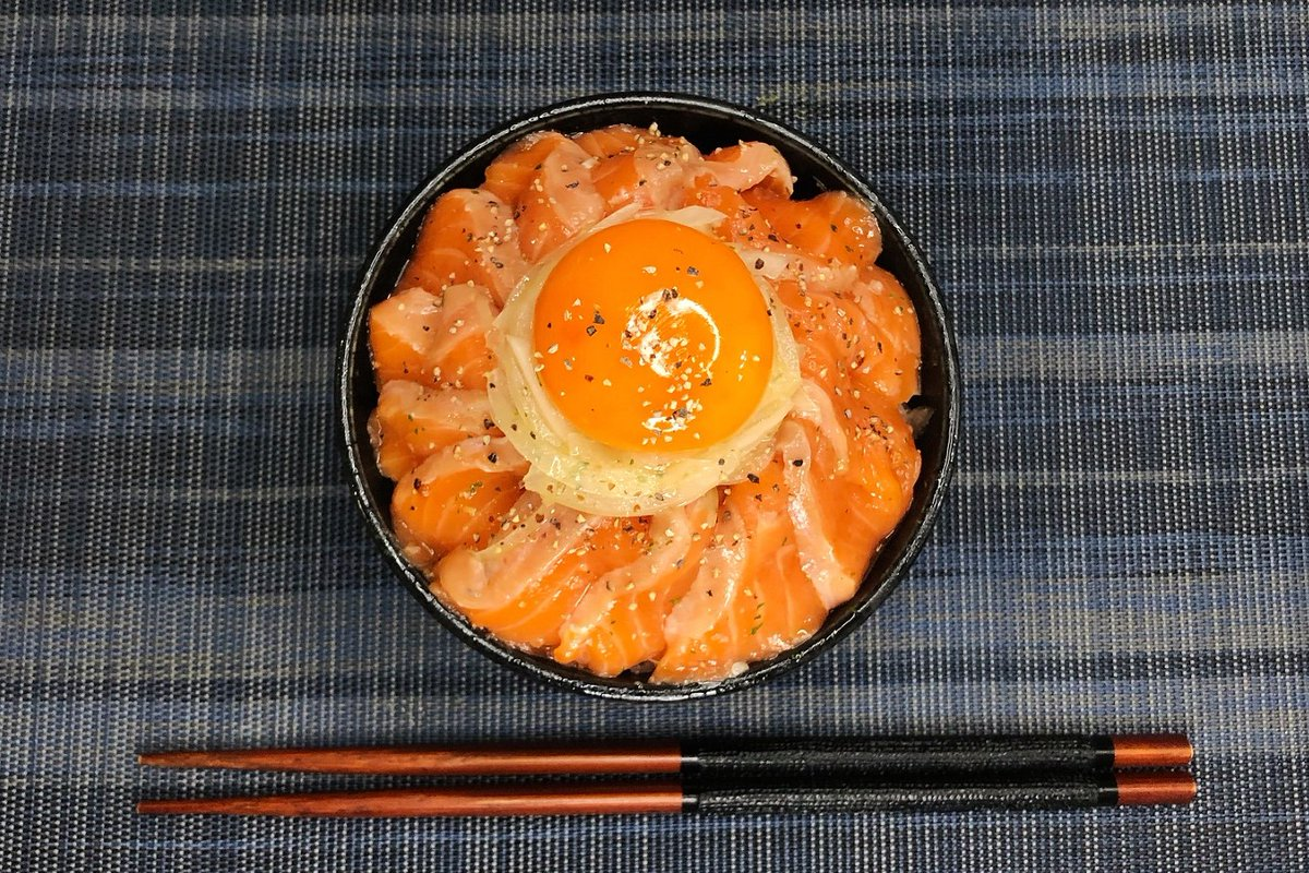 さっぱりしていて美味しい!?「サーモンのオリーブオイル漬け丼」の作り方!