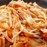 電子レンジで簡単お手軽調理!お箸がすすむ「えのき」レシピ!