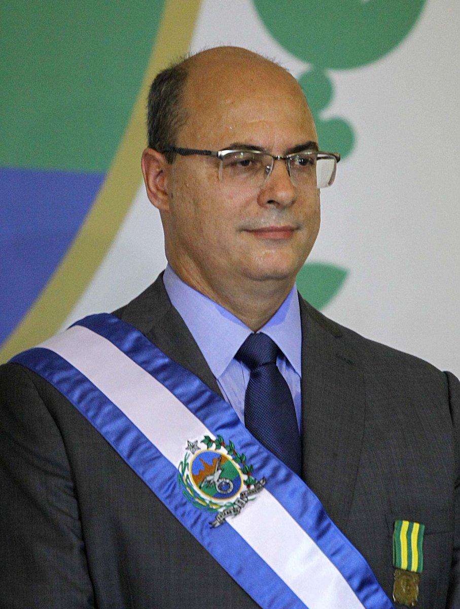 """A eleição do @wilsonwitzel para Governador do Estado do Rio de Janeiro tendo como vice o @claudiocastroRJ foi com base, na historia ABSURDA de acertar """"Um tiro na Cabecinha"""" isso é frase de criminoso, a Chapa que Elegeu #Witzel precisa ser cassada #EuQueroViver https://t.co/y1fKoA4GFC"""