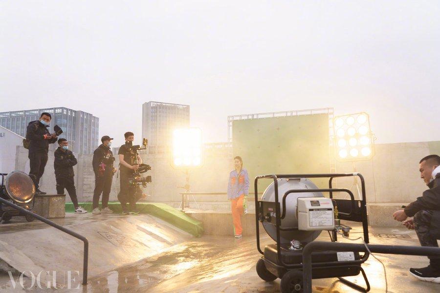 Vogue China June 2021 E0O801uVEAApIi3?format=jpg&name=900x900