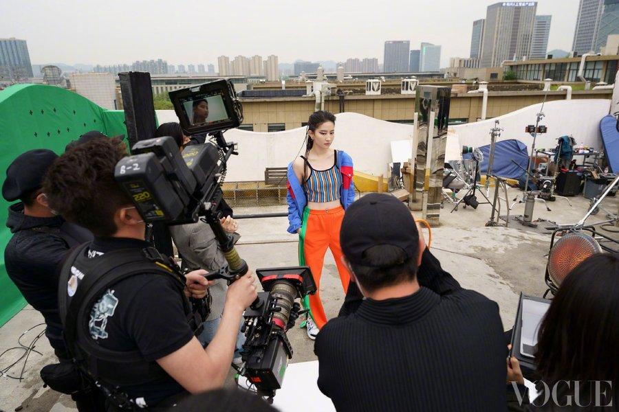 Vogue China June 2021 E0O8j7yUcAsaSGj?format=jpg&name=900x900