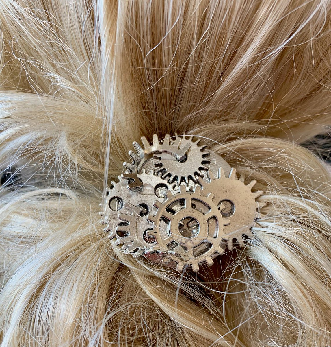"""Thanks for the kind words! ★★★★★ """"So hard to find hair accessories that are urban cool. Great work, great price. Go for it!"""" Val T. #etsy #steampunk #steampunkhair #steampunkponytail #ponytailholder https://t.co/rBYbalav64"""