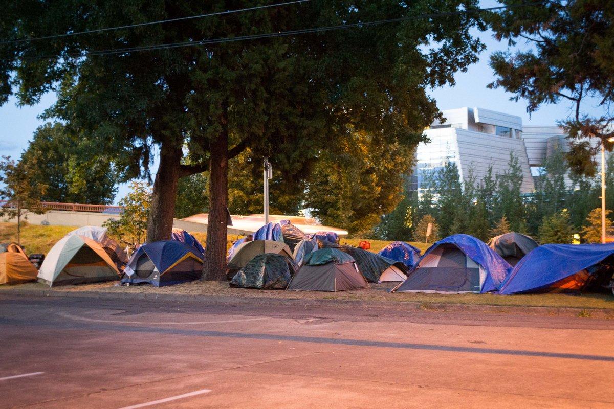 Drive the I5 Corridor from Seattle to San Diego - Let me know how we are doing as a nation fighting poverty.  @MinimumWageAB  @texanforbernie  @fightingpoverty  #povertysucks @lowetze1  @AryaHasJokes  @povertysucks69 https://t.co/S5rG3DTtNE