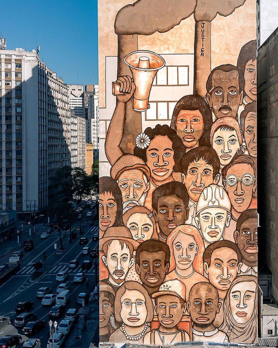 """Neste 1º de maio, #DiadoTrabalho, ficamos com a brilhante releitura do artista Mundano da icônica obra """"Operários"""", de Tarsila do Amaral, realizada pelo #MuseudeArtedeRua. É o novo modernismo. Arte é ocupar.  #sãopaulocapitaldacultura #secretariadecultura #1demaio https://t.co/LjAFhIGkPP"""
