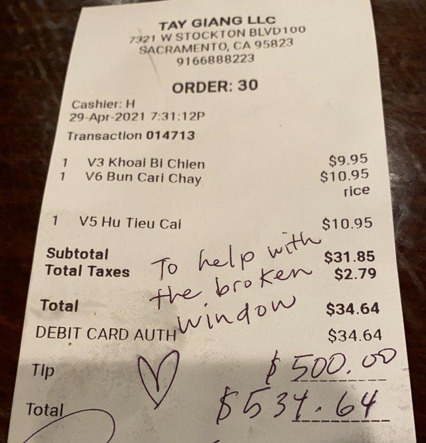 Customer leaves $500 tip to repair vandalized Vietnamese restaurant E0UetbCVkAUOnwR?format=jpg&name=900x900