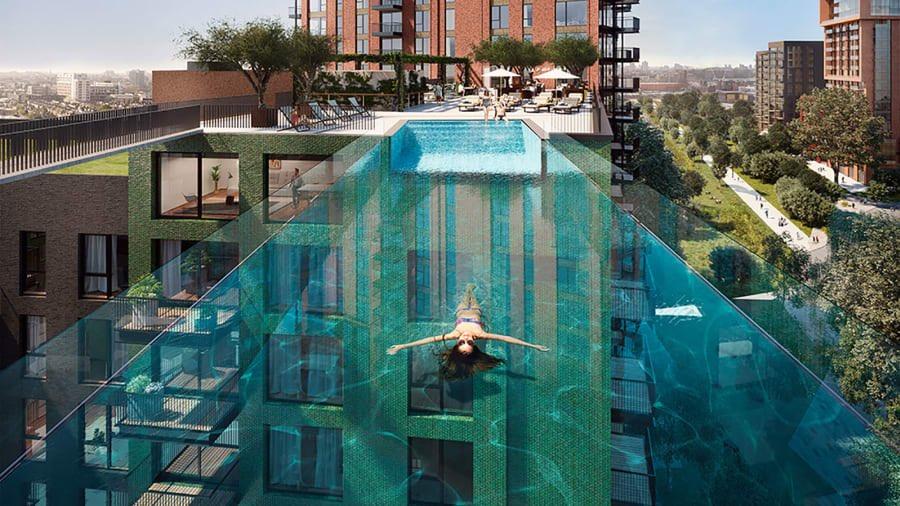 ビルをまたぐ世界初のプールすごくない。in ロンドン
