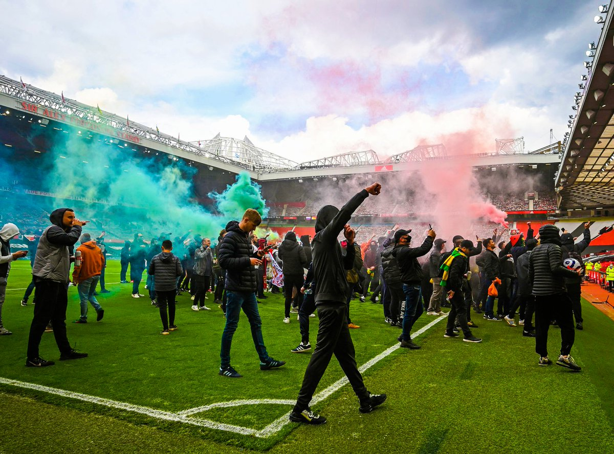 Manchester United fans storm Old Trafford ahead of the match against Liverpool in protest of the club's ownership 📸 https://t.co/kfTJJ3MgD6