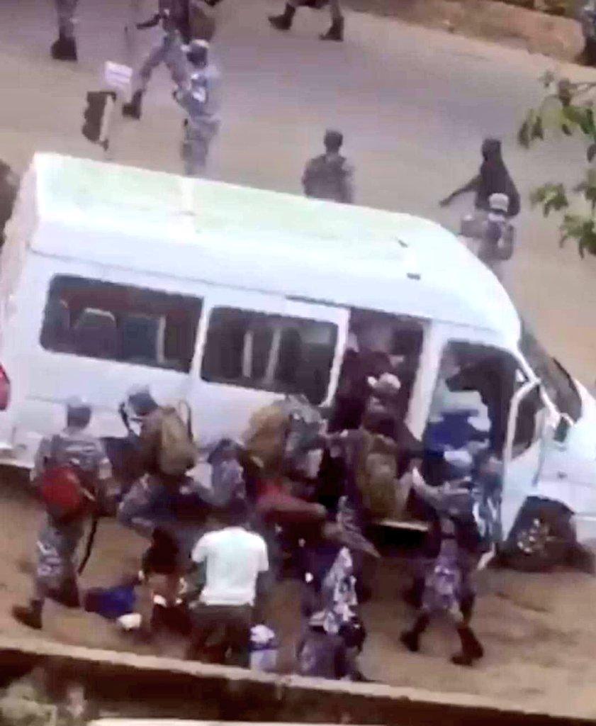Côte D'Ivoire/ Des Gendarmes Sèment La Terreur À Adjamé Et Bastonnent Une Journaliste