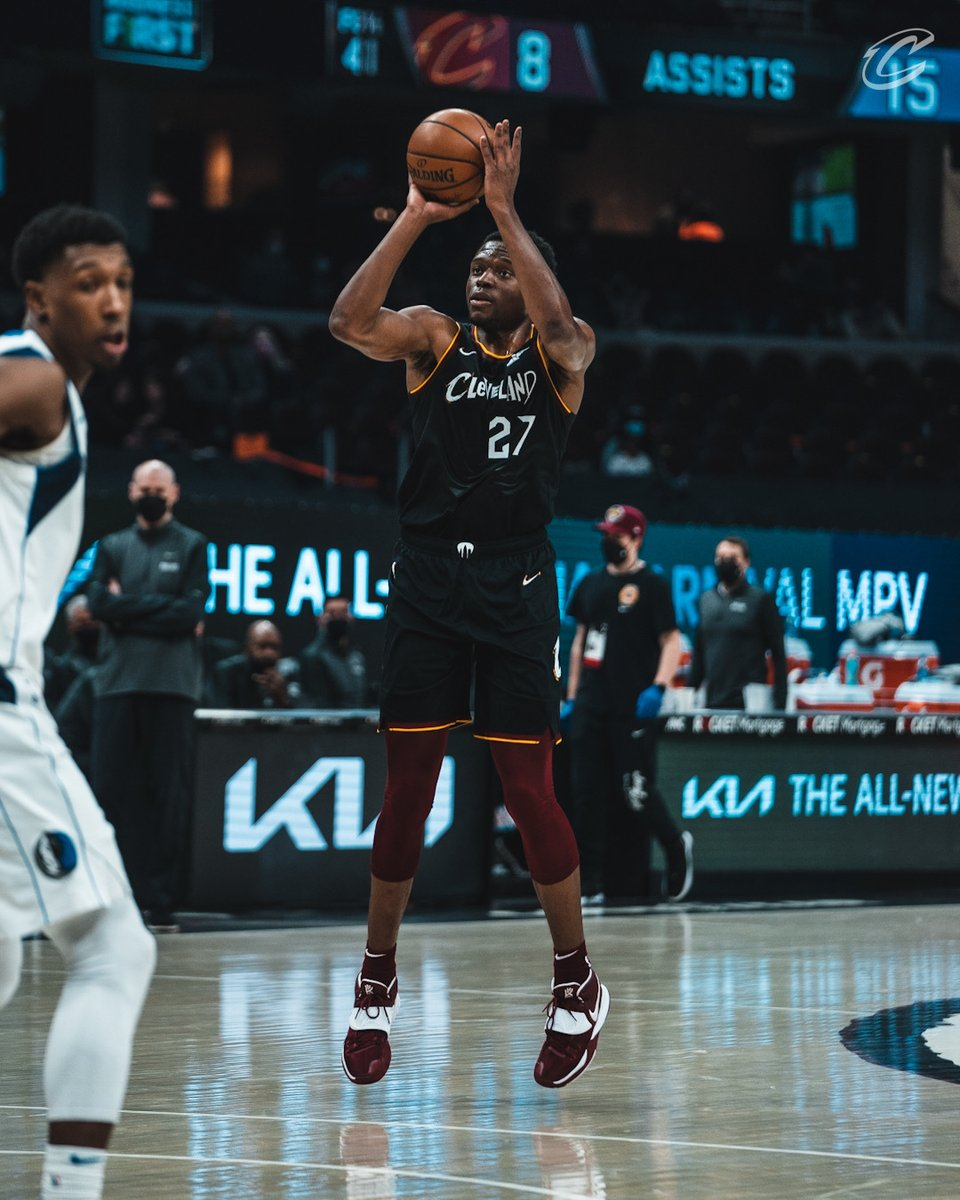 New career-high 1️⃣2️⃣ points and counting for @Mfiondu in the fourth! #BeTheFight https://t.co/mu6NdRinl3