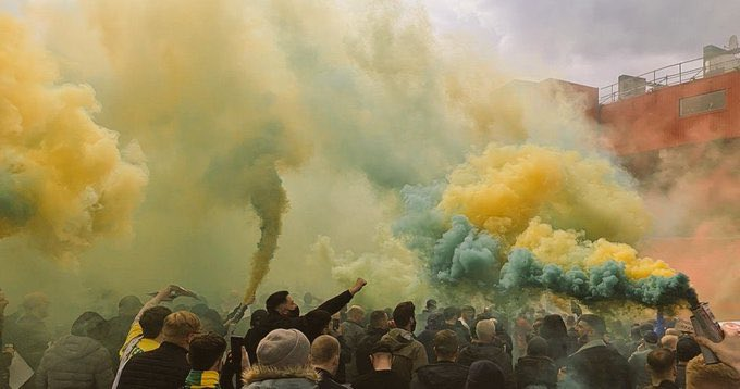 Proud to be a red. #GlazersOut 🟢🟡 https://t.co/j3BEh7vFcu