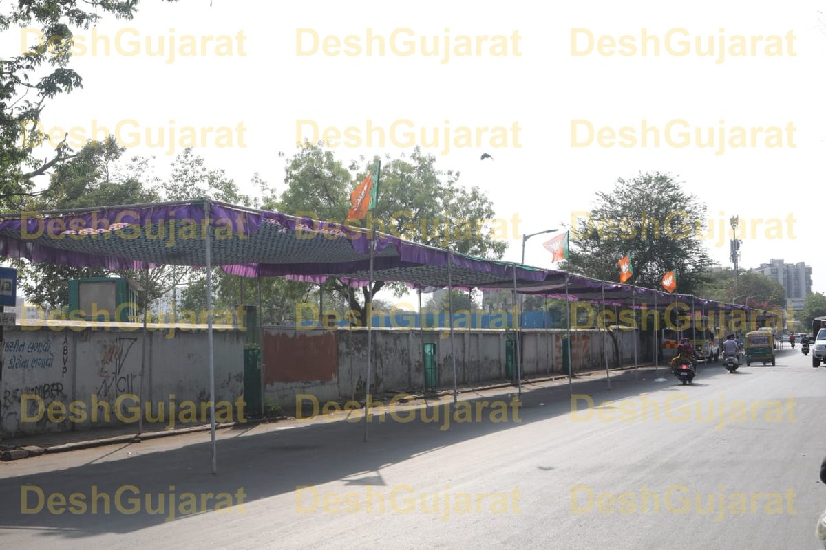 Long queue outside Asarwa and Rajkot civil campuses absent