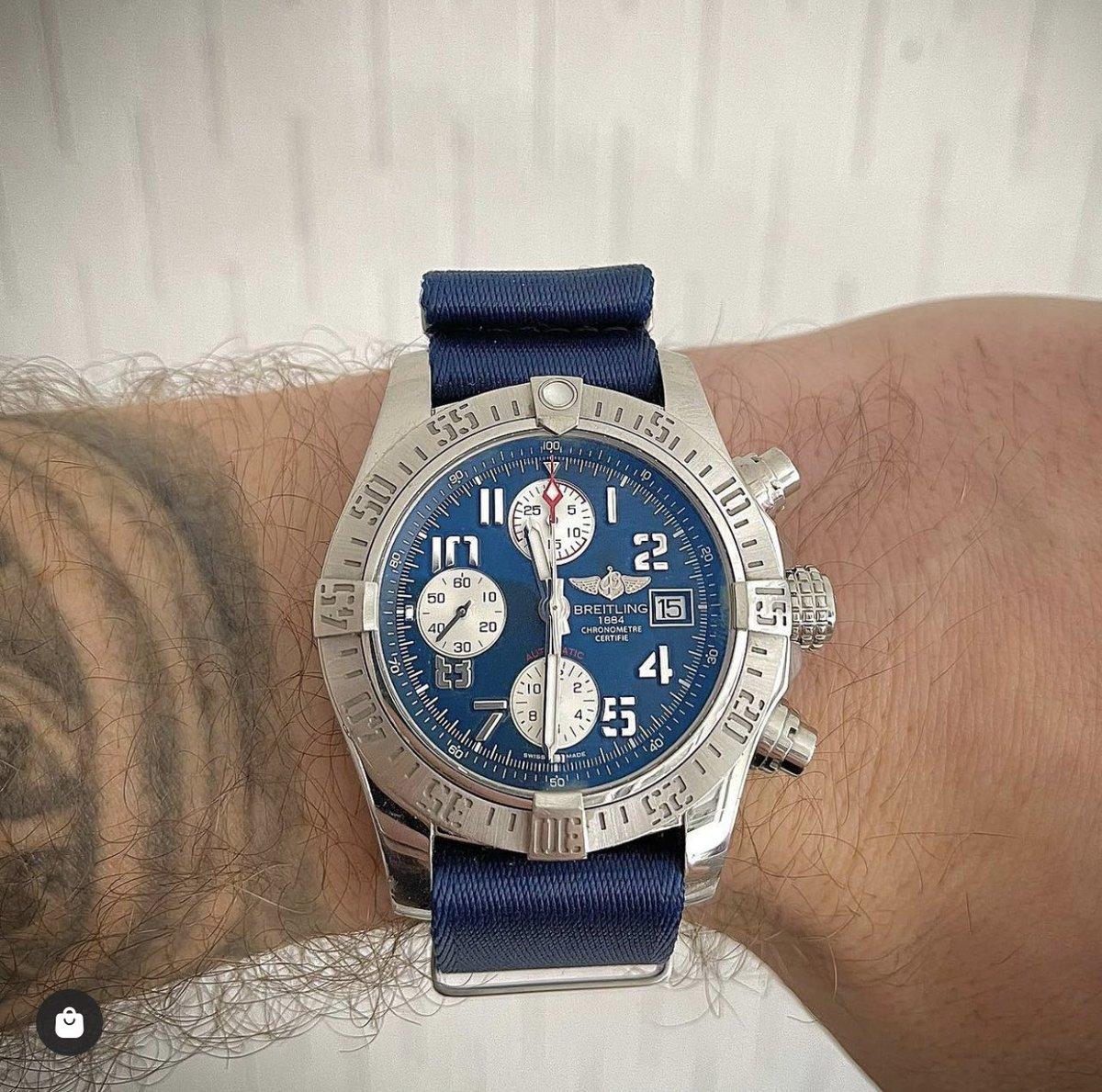 Monday wrist shot featuring our Hudson NATO watch strap 👌  #nato #natostrap #breitling #wristshot https://t.co/iE4QXToIWl