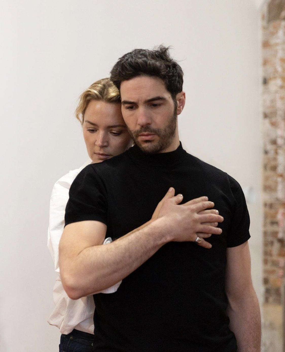 Virginie Efira et Tahar Rahim en répétition pour Don Juan, l'un des films de comédie musicale français qui sort au cinéma en 2021.