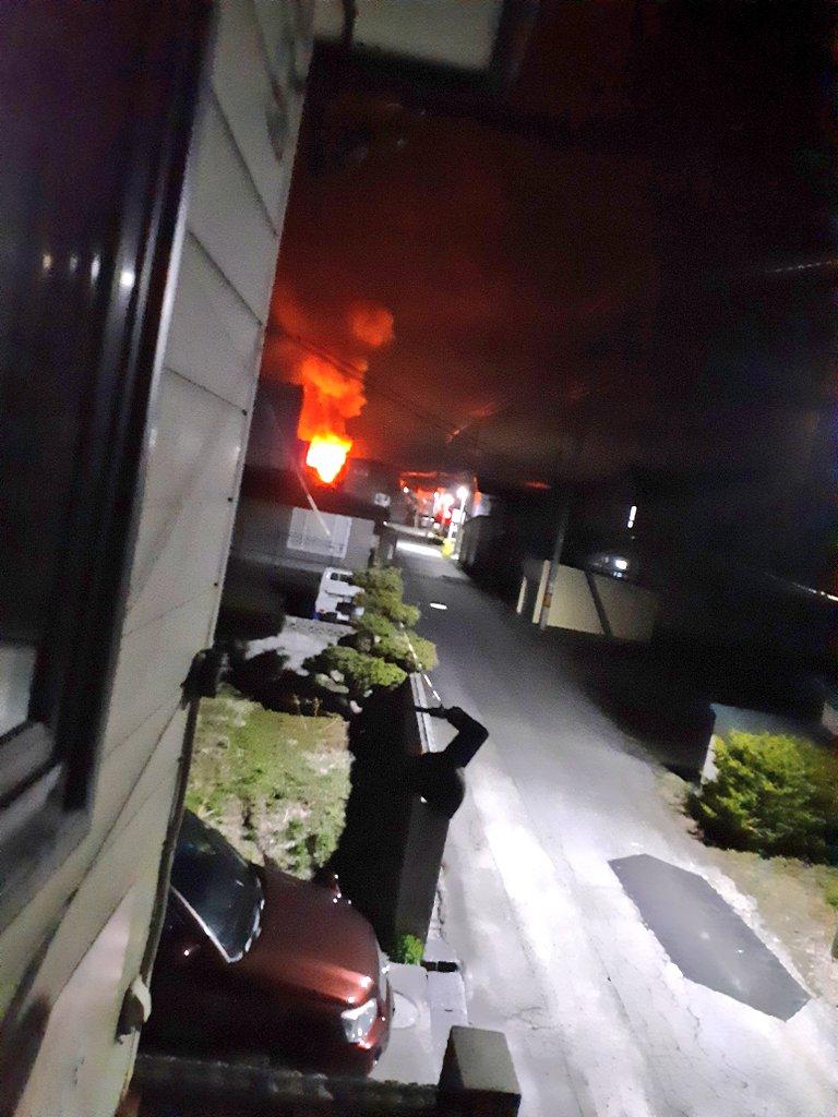 画像,火事やばい怖い https://t.co/uCDgEx8D2O。