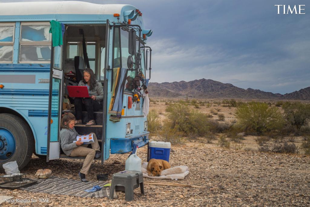 Today's Daily Spotlight: @maddiecarlisle2 follows a mother and son who have been living in a renovated school bus and traveling across the American West for the past year https://t.co/cEHzs8I0DS   Featuring photos by Nina Riggio (@nrnriggio) https://t.co/H938hhZ6Ek