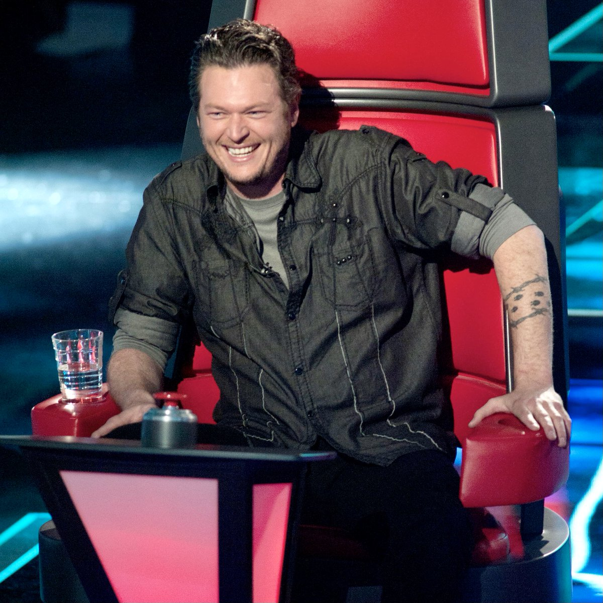 Y'all turn on @NBCTheVoice NOW to look back on some of the best moments from the past 10 years! #TheVoice #TeamBlake