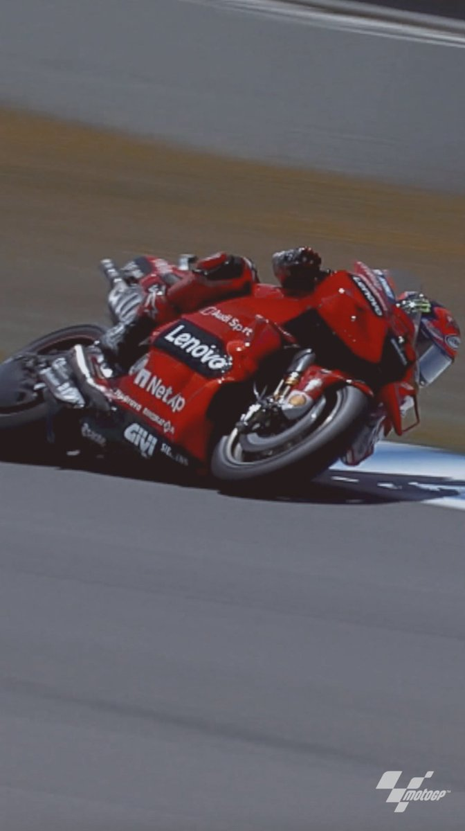 .@PeccoBagnaia & @FrankyMorbido12 BATTLED it out in the #JerezGP 🏁  🥈 Francesco Bagnaia 🥉 Franco Morbidelli  @VRRidersAcademy @MotoGP #MotoGP #Motorcycle #Racing #MonsterEnergy https://t.co/kb5K03JaHS