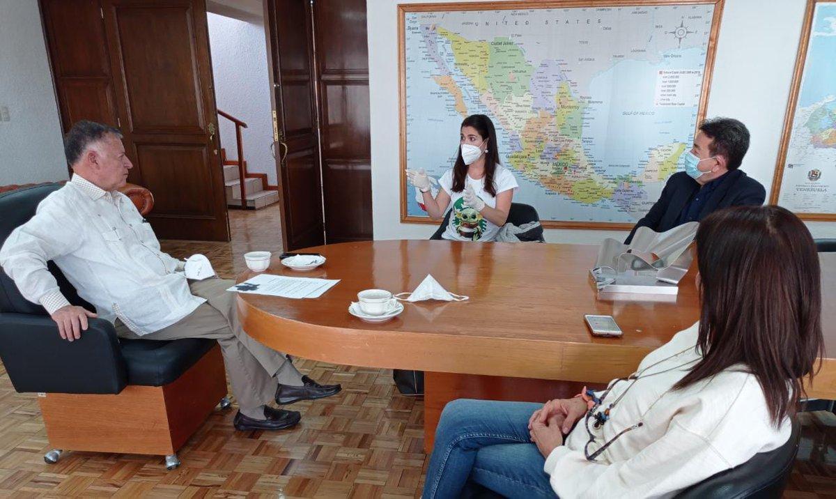 EmbaVenMexico photo