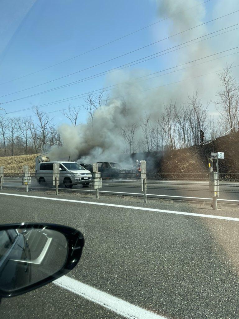 画像,道央道室蘭方向苫小牧東〜苫小牧中央間で車両火災発生中です。@mst_hide https://t.co/Rb284hClGi…