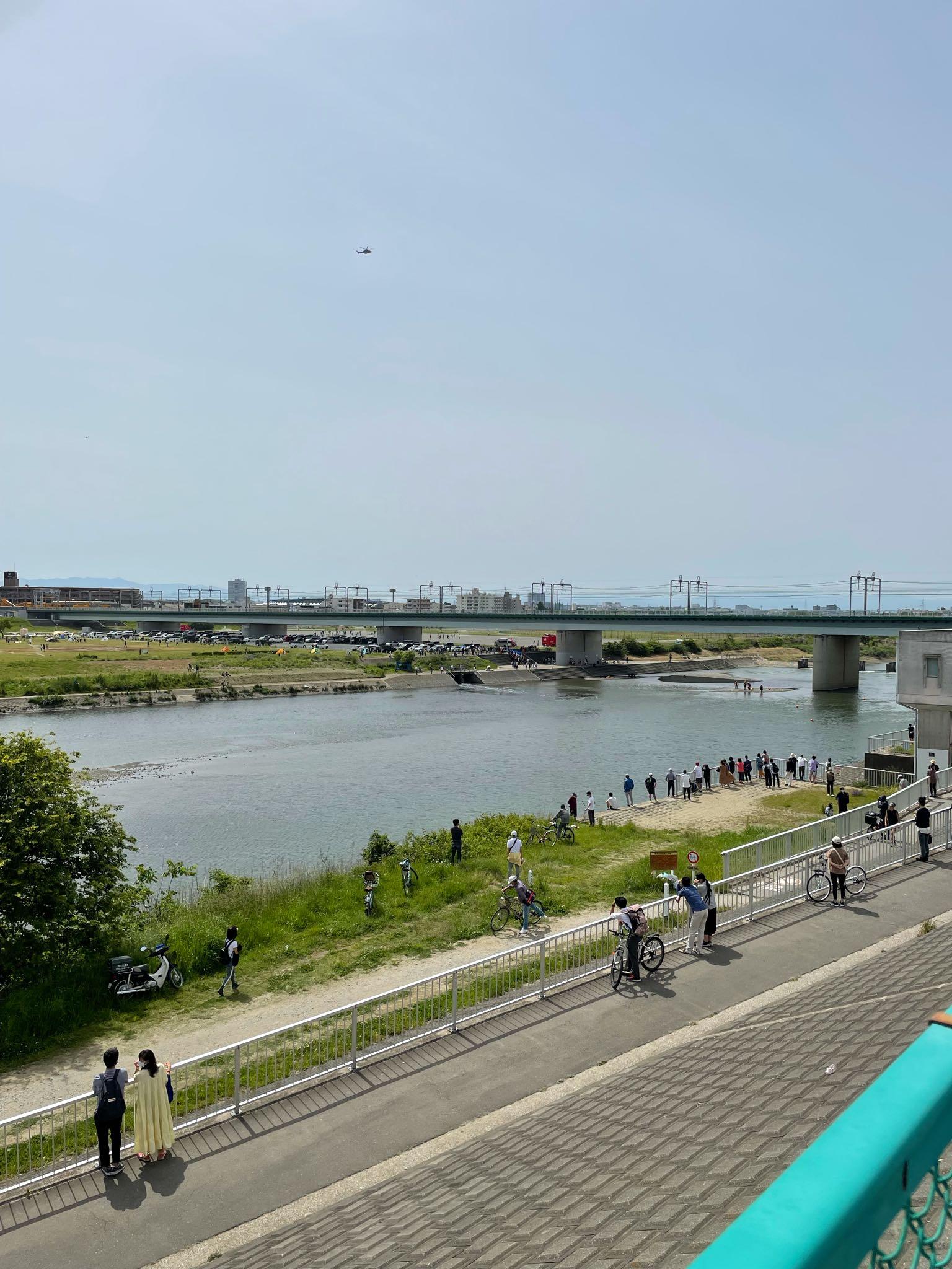 画像,多摩川で水難事故みたい https://t.co/RGlfvMqzjG。